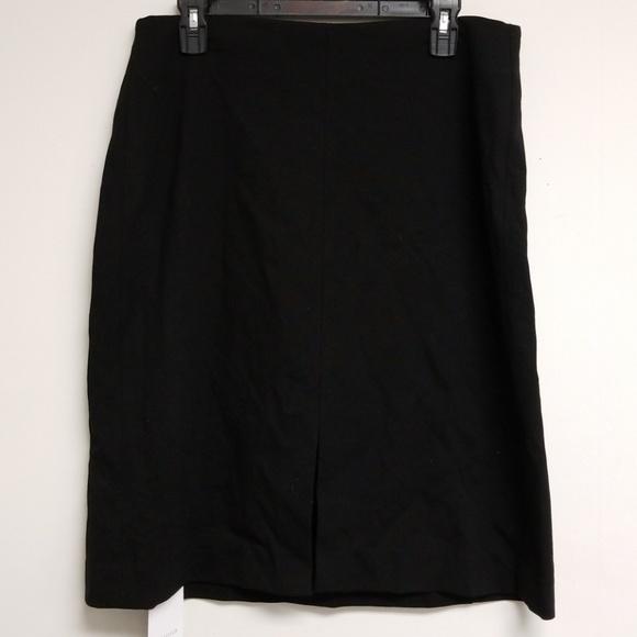 MM Lafleur Dresses & Skirts - NWT MM Lafleur Black Greenpoint Skirt Size 16